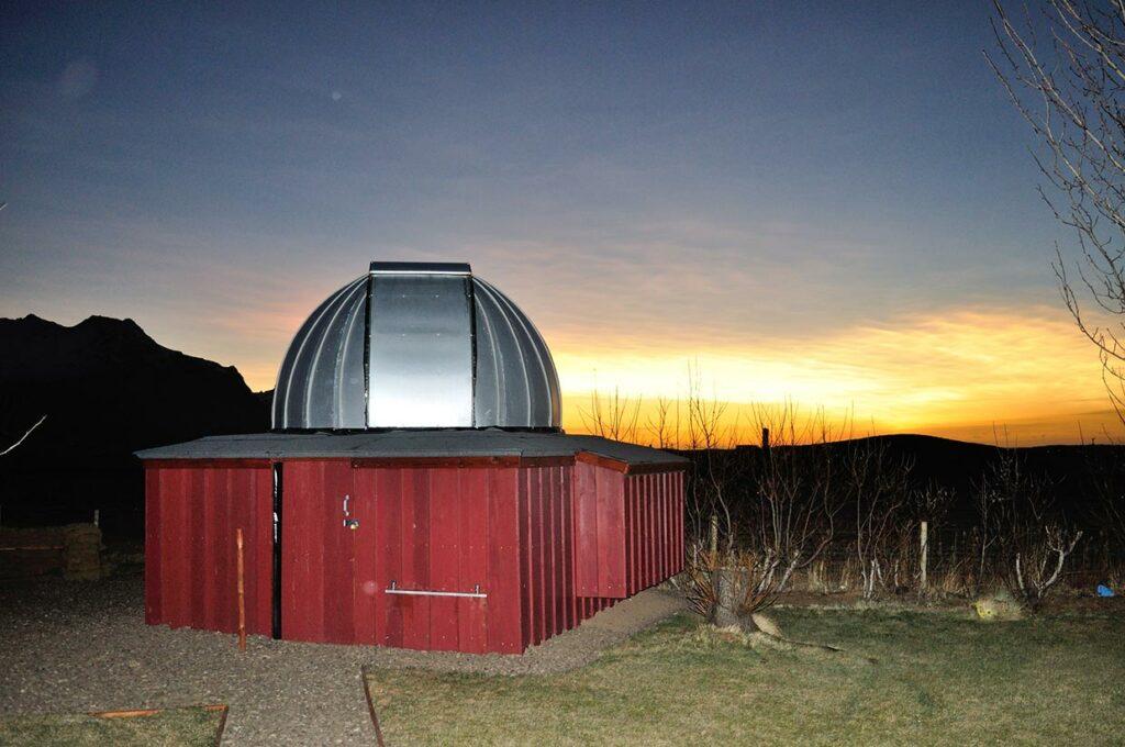 Glitský, stjörnustöðin, - Nacreous cloud, the Observatory