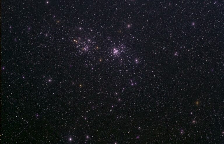 Tvíþyrpingin - The Double Cluster, NGC 884 (χ Persei) og NGC 869 (h Persei ).