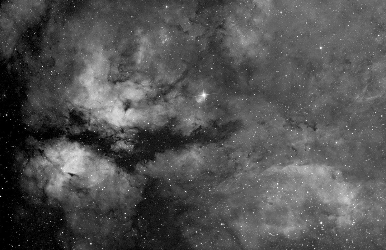γ Cygni-þokan - γ Cygni nebula (IC 1318).