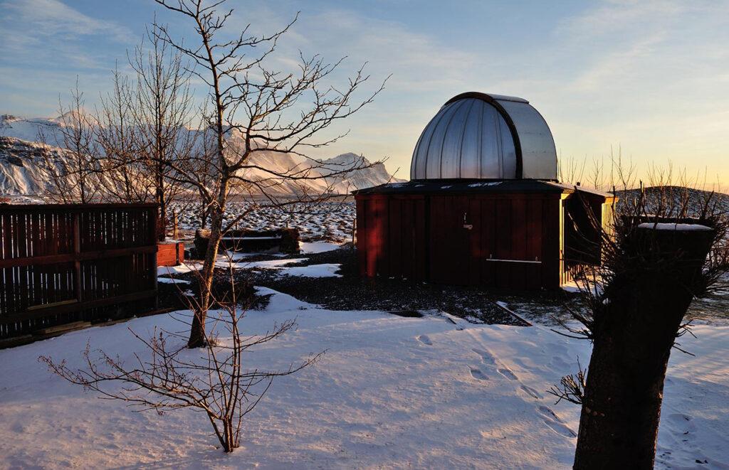 Vetrarsýn, stjörnustöðin - Winterview, the Observatory.